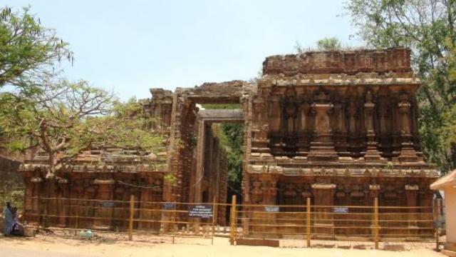Ruined Entrance for Alagar Kovil , Madurai